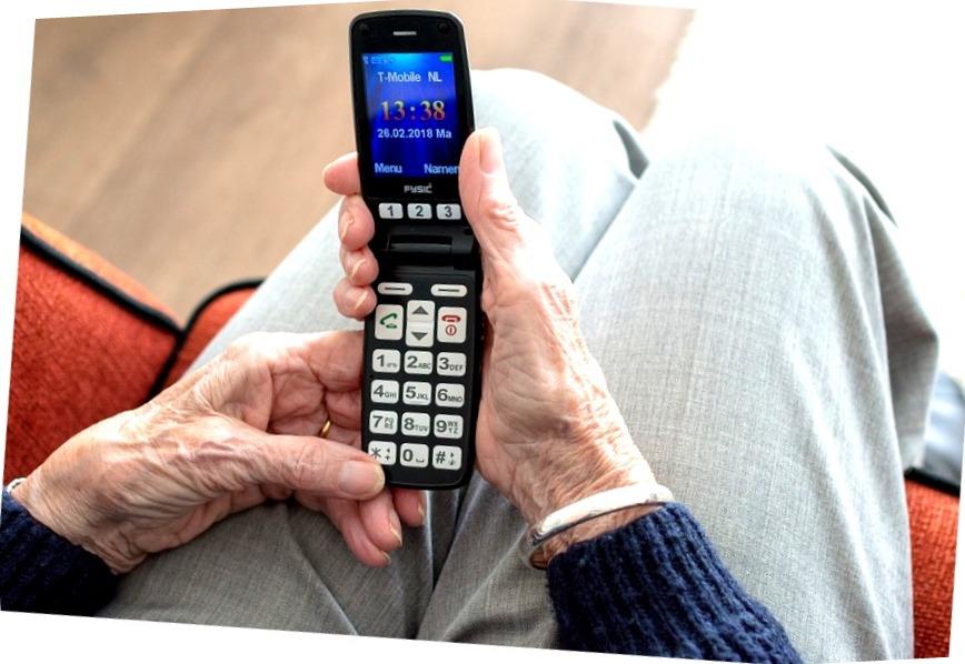 Pravila vybora telefona dlya pozhilykh lyudey